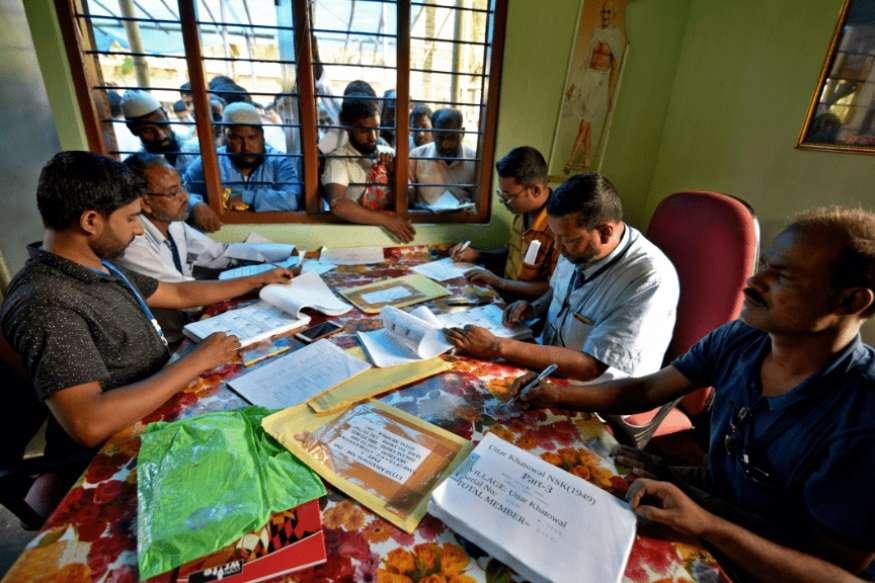 असम में लगभग 100 विदेशी ट्रिब्यूनल हैं जो नागरिकता निर्धारित करने के लिए अर्ध-न्यायिक निकाय हैं.