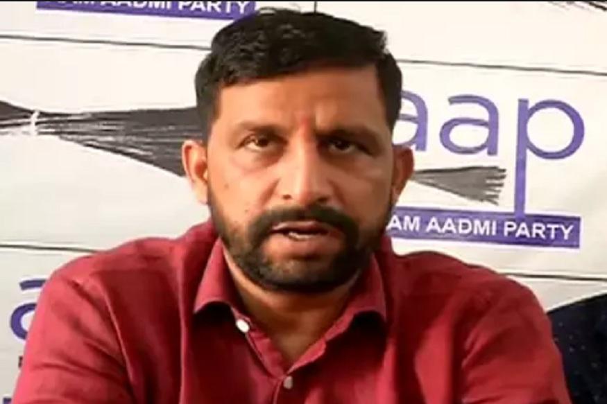नवीन जयहिंद ने सरकार के उठक-बैठक कराने का फैसला बताया गैर जिम्मेदाराना