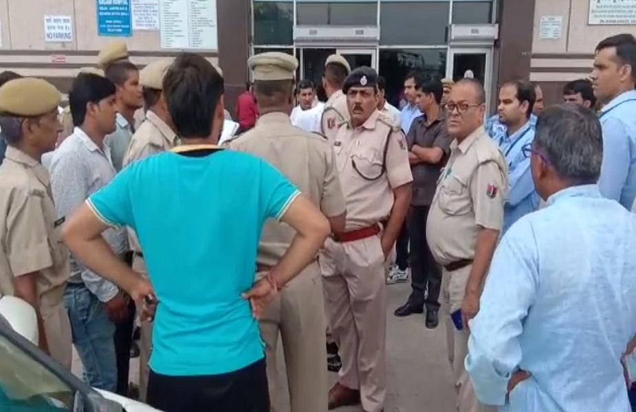 पुलिस ने आरोपियों को पकड़ने के लिए क्षेत्र में की नाकेबंदी