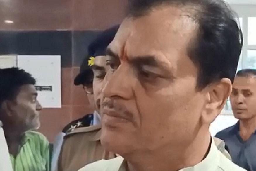 Aacharya balkrishna in CCU AIIMS Rishikesh, Premchand Aggarwal, आचार्य बालकृष्ण की तबियत ख़राब होने के बाद विधानसभा अध्यक्ष प्रेमचंद अग्रवाल उन्हें देखने एम्स ऋषिकेश पहुंचे.