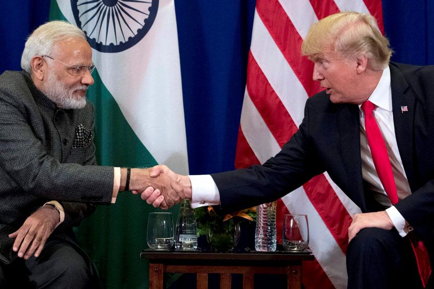 पीएम मोदी के शासन में विदेश नीति मजबूत हुई है. अमेरिकी राष्ट्रपति डोनाल्ड ट्रम्प और पीएम मोदी. फाइल फोटो.