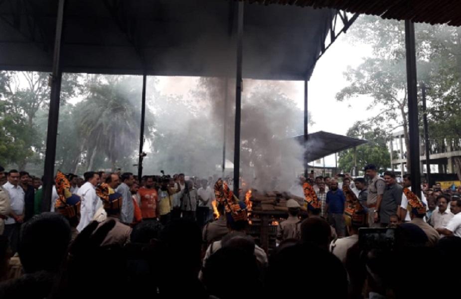 बीजेपी के वेटरन लीडर बाबूलाल गौर का आज भोपाल में अंतिम संस्कार कर दिया गया. वो लंबे समय से बीमार थे.