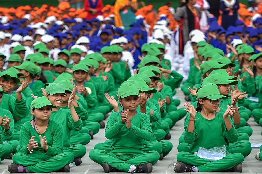 भारत के अलावा भी ऐसे 5 देश हैं, जो 15 अगस्त को आजादी का जश्न मनाते हैं. भारत की तरह इन पांचों देशों को आजादी भी 15 अगस्त को हासिल हुई थी. आप शायद नहीं जानते हों कि भारत के साथ साउथ कोरिया, नॉर्थ कोरिया, कांगो, बहरीन और लिकटेंस्टीन ने 15 अगस्त को आजादी हासिल की थी.