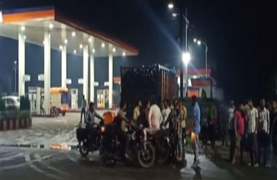 बदमाशों ने पेट्रोल पंप के पास व्यापारी को मारी गोली