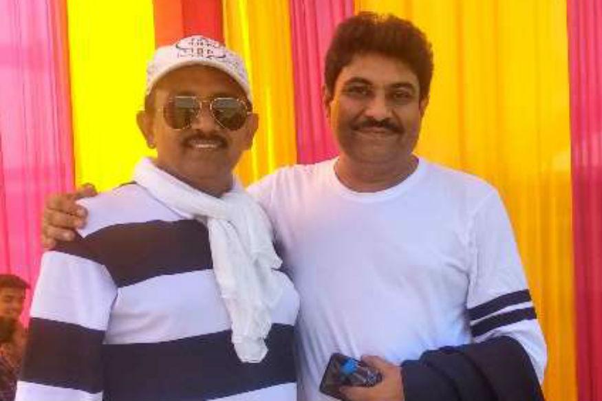 लेखक आशू के साथ निर्देशक जयंत गिलातर.