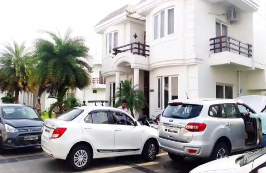 EOW ने पीएचई के रिटायर्ड इंजीनियर सुरेश उपाध्याय के खिलाफ की कार्रवाई