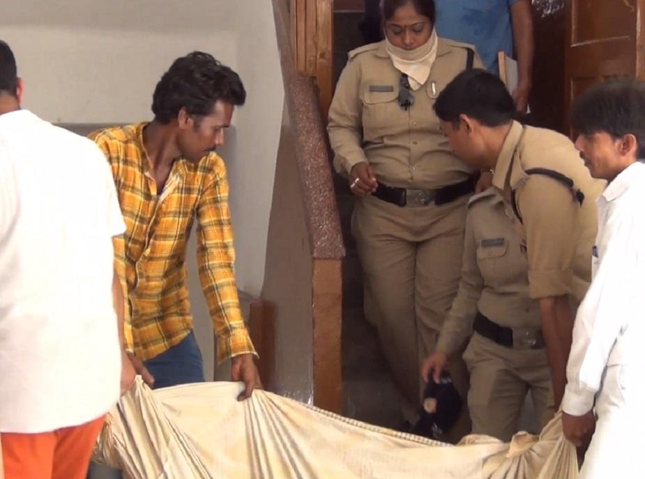 rishikesh suicide, ऋषिकेश के त्रिवेणी घाट पर स्थित सिंधी धर्मशाला के एक कमरे से सुबह एक युगल की लाशें मिलने से हड़कंप मच गया.