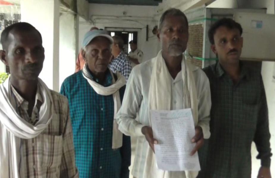 पीड़ित परिजनों ने आरोपियों के खिलाफ मामला दर्ज कराया