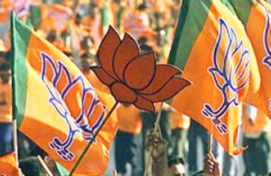 Congress minister Kawasi Lakhama, BJP in Dantewada by-election, दंतेवाड़ा उपचुनाव, अजय चन्द्राकर, छत्तीसगढ़, बीजेपी और कांग्रेस