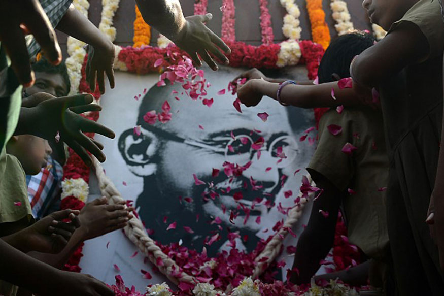 राष्ट्रपिता महात्मा गांधी (Mahatma Gandhi) की 150वीं जयंती पर छत्तीसगढ़ (Chhattisgarh) में विभिन्न आयोजन किए जा रहे हैं