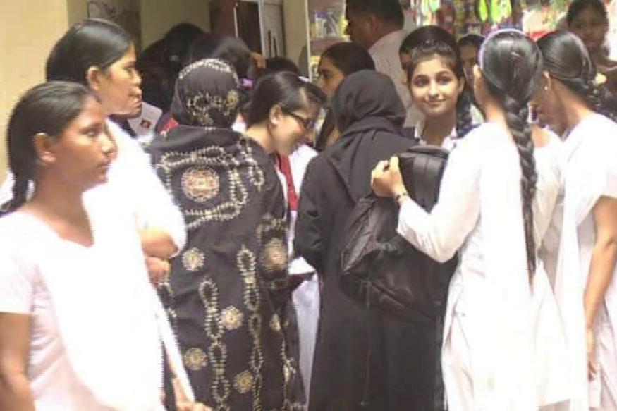 मुस्लिम बेटियां 'संस्कृत' सीख रही हैं