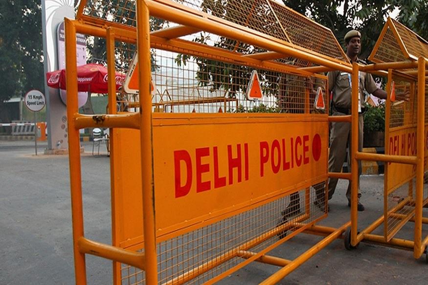 delhi news, delhi police, murder, sex, love, marriage, karawal nagar, हत्या, प्रेम प्रसंग, प्रेमी ने की हत्या, बैग में लाश बरामद, दिल्ली पुलिस, नौशाद, ट्यूटर, बीएड छात्रा