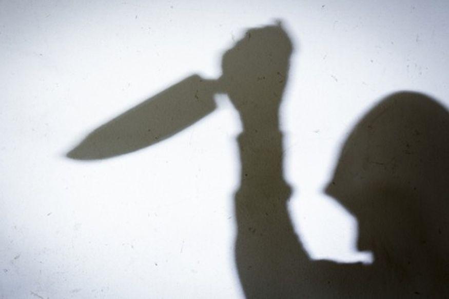 छत्तीसगढ़ (Chhattisgarh) के महासमुंद (Mahsamund) जिले में एक पति (Husband) ने अपनी पत्नी (Wife) को जान से मारने की कोशिश की है