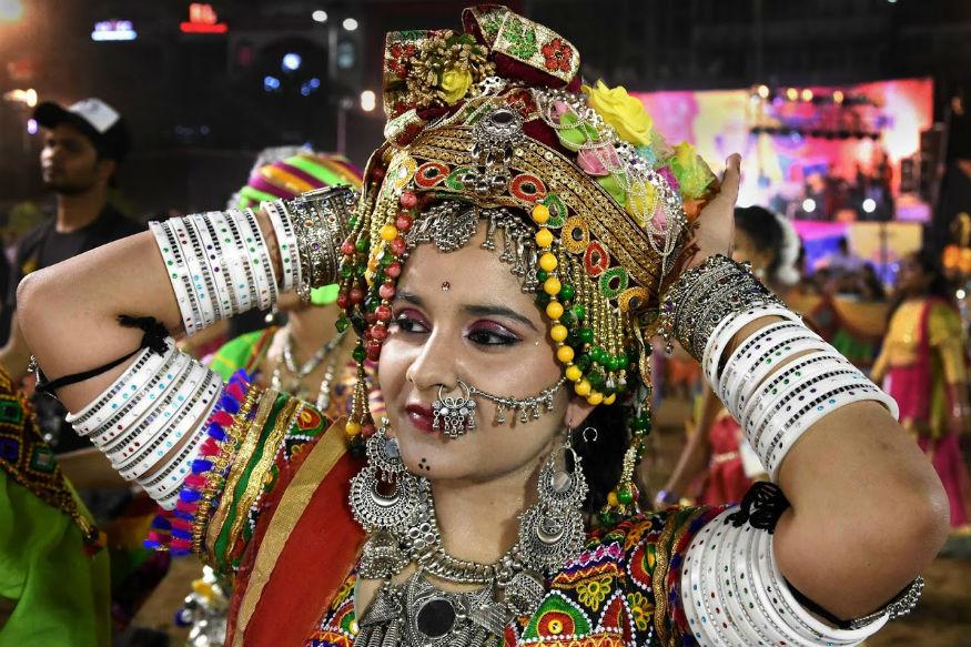 राजस्थानी गरबा डांस में आप ऐसा लुक कैरी कर सकती हैं