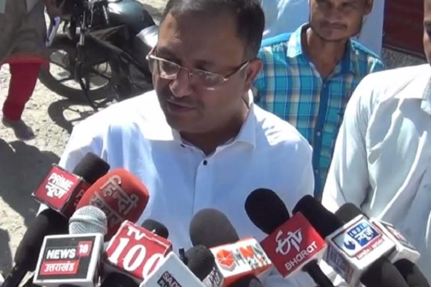 rishikesh encroachment, कोर्ट कमिश्नर नागेश अग्रवाल ने कहा कि वह कोर्ट के आदेश पर ज़मीन का निरीक्षण करने आए हैं और इसकी रिपोर्ट जल्द ही कोर्ट को सौंपी जाएगी.