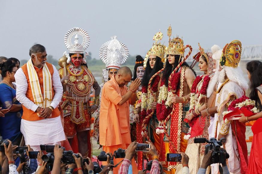Ayodhya Case, Ayodhya Dispute, Ram Janmabhoomi, Babri Masjid Dispute, Supreme Court on Ayodhya Case, अयोध्या केस, अयोध्या विवाद, राम जन्मभूमि, बाबरी मस्जिद विवाद, अयोध्या मामले पर सुप्रीम कोर्ट, yogi adityanath, mahant avaidyanath, digvijay nath, योगी आदित्यनाथ, महंत अवैद्यनाथ, दिग्विजय नाथ, Vishwa Hindu Parishad, VHP, rss, विश्व हिंदू परिषद, वीएचपी, आरएसएस