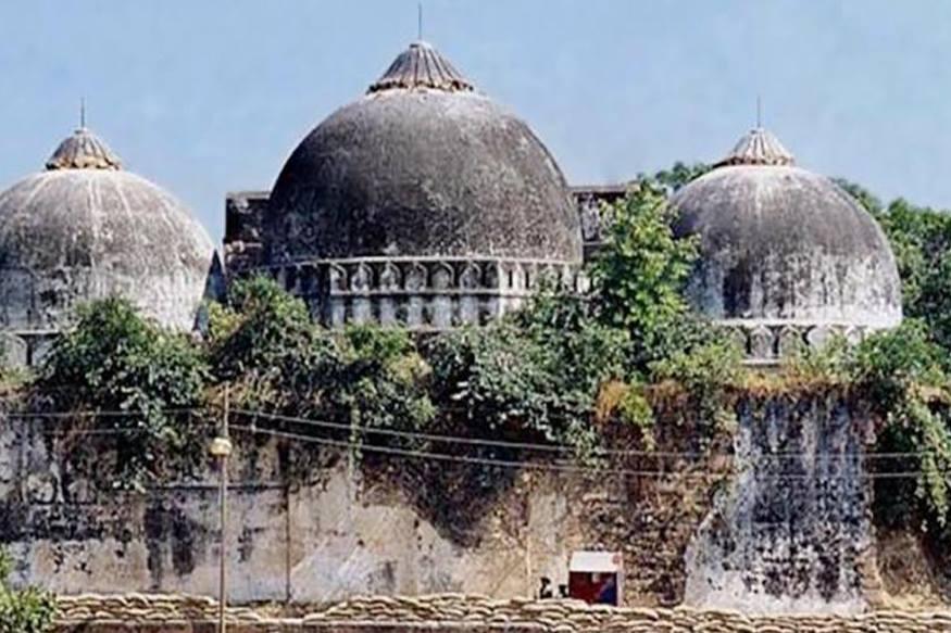 अयोध्या में उन्मादी भीड़ द्वारा बाबरी ढहाए जाने की प्रतिक्रिया में पाकिस्तान में कई पुरातन मंदिरों को तोड़ डाला गया.