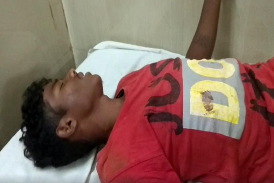 छत्तीसगढ़ (Chhattisgarh) के दंतेवाड़ा (Dantewada) जिले में नक्सलियों (Naxali) ने एक बड़ी घटना को अंजाम दिया है
