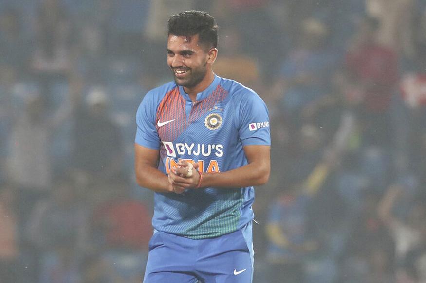 दीपक चाहर टी20 में हैट्रिक लेने वाले पहले भारतीय, 6 विकेट लेकर बनाया रिकॉर्ड