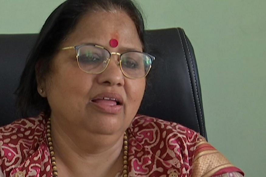 education department dehradun awards asha rani panyuli, देहरादून की मुख्य शिक्षा अधिकारी आशा रानी पैन्यूली ने कॉर्पोरेट की तर्ज पर शिक्षकों और विभाग में अन्य काम कर रहे कर्मचारियों को प्रोत्साहित करने की योजना शुरु की.