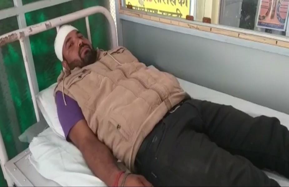 सेल्समैन देवी सिंह का अस्पताल में इलाज जारी