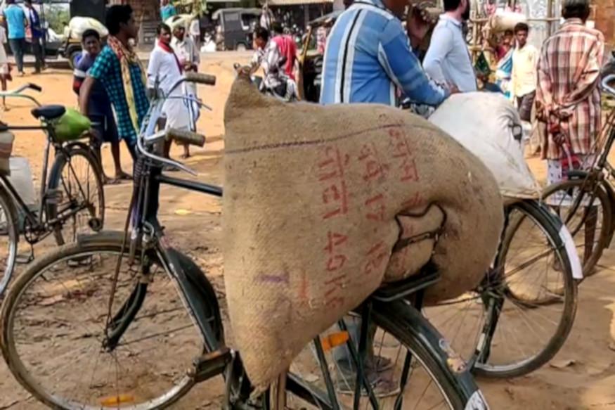 छत्तीसगढ़ (Chhattisgarh) शासन दूसरे प्रांत से अवैध धान परिवहन करने वालों पर कड़ा रूख अख्तियार करते हुए राज्य के सीमावर्ती इलाकों में विशेष सर्तकता बरतने के निर्देश दिये हैं