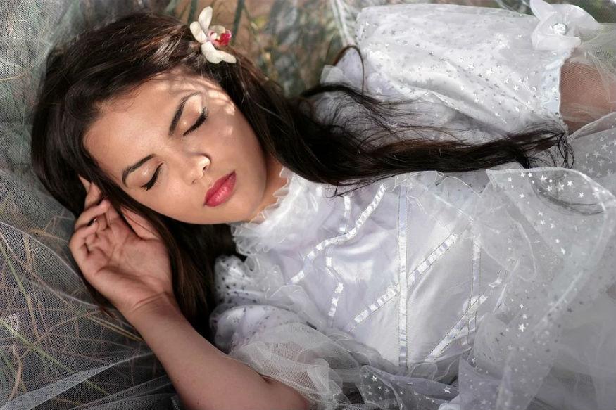 गहरी नींद से कम होती है टेंशन, तेज चलता है दिमाग: रिसर्च