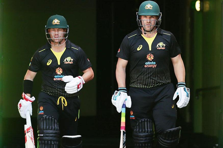 david warner, australia vs sri lanka t20i, aus vs sl live score, sri lanka vs australia score, डेविड वॉर्नर, ऑस्ट्रेलिया श्रीलंका टी20, लाइवक्रिकेट स्कोर