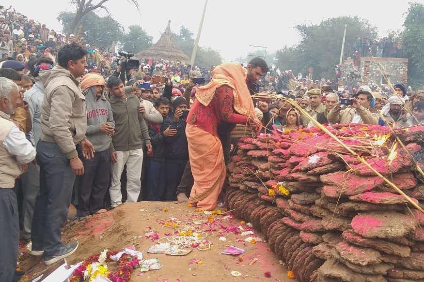 Line of Control, LoC, pakistan, soldier killed, indian army, jammu kashmir, border, bsf, martyr of Bharatpur, funeral with military honors, Jammu and Kashmir, Indian Army, Kaupwara, Grenade attack, भरतपुर का लाडला हुआ शहीद, सैन्य सम्मान के साथ की गई अंत्येष्टि, जम्मू-कश्मीर, भारतीय सेना, कूपवाड़ा, ग्रेनेड हमला