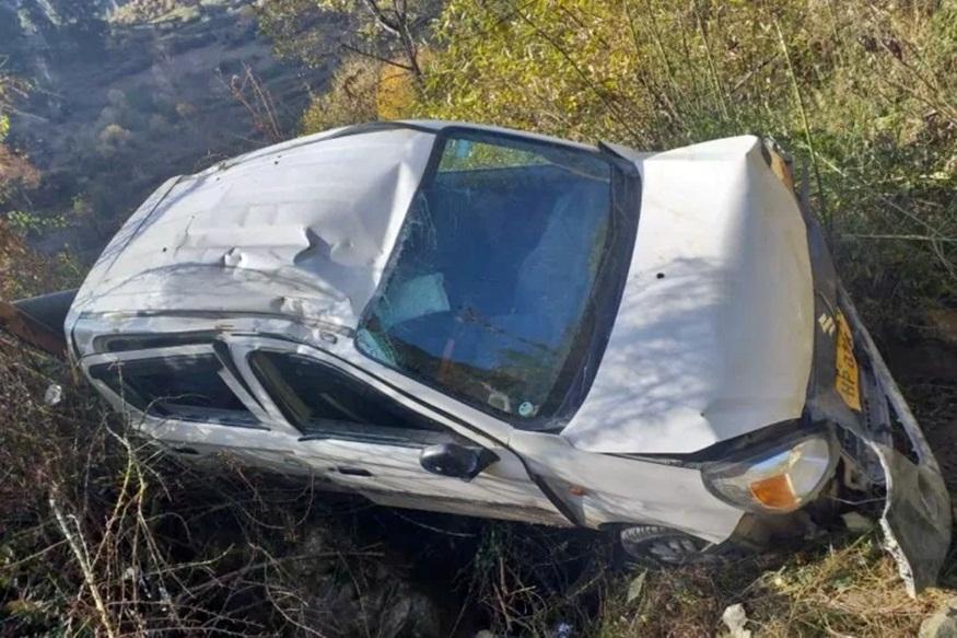 शादी समारोह से लौट रहे 2 दोस्तों की कार दुर्घटनाग्रस्त, एक की मौत