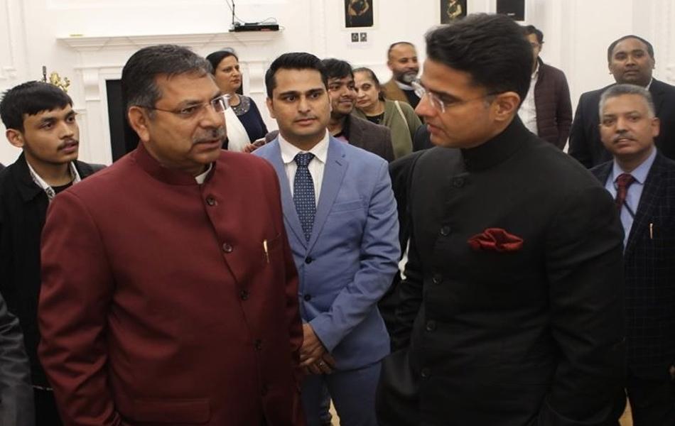 लंदन स्थित नेहरू सेंटर में आयोजित इस सम्मेलन को संबोधित करते हुए डिप्टी सीएम पायलट ने कहा आप सभी ने विदेशी धरती पर भी भारतीय संस्कृति को जीवंत रखा है. यह अत्यंत सराहनीय है. उन्होंने कहा कि राज्य सरकार ने विदेशी निवेश को आमंत्रित करने के लिए सकारात्मक नीतियां बनाई गई हैं, जो प्रवासी राजस्थानियों के लिए अपनी धरा से जुडऩे का एक स्वर्णिम अवसर है. प्रवासी राजस्थानियों को इसके लिए आगे आना चाहिए ताकि उनके योगदान का प्रदेश को लाभ मिल सके. पायलट ने कहा कि हम सबका मूल मकसद एक ही है. हम चाहे देश में रहें या फिर विदेश में हमारा उद्देश्य भारत को वैश्विक तौर पर ऊंचाइयां प्रदान करना है.