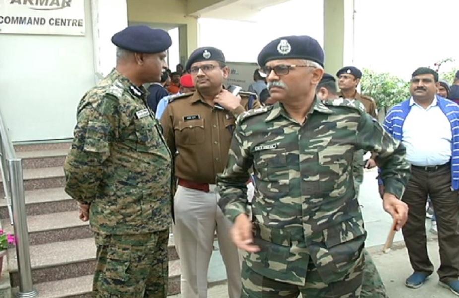 घटना के बाद सीआरपीएफ के अधिकारी मौके पर पहुंचे