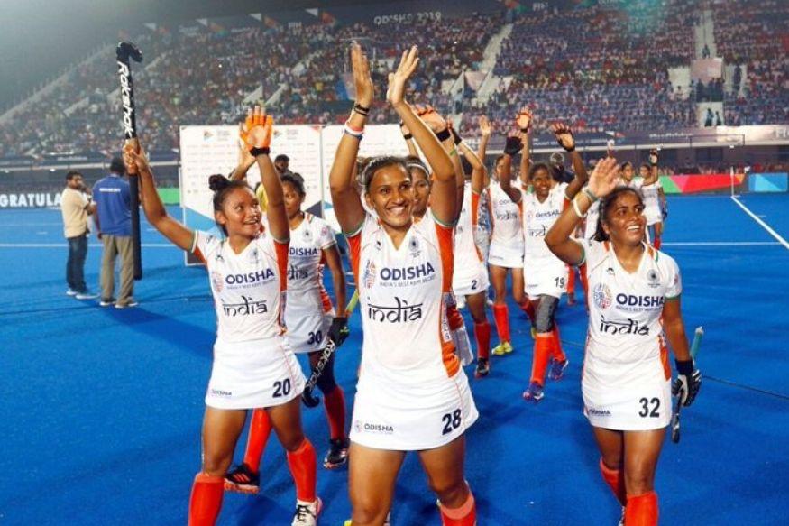 नई दिल्ली. भारतीय महिला टीम की कप्तान रानी रामपाल गुरुवार को विश्व की पहली हॉकी खिलाड़ी बन गयी जिन्होंने प्रतिष्ठित 'वर्ल्ड गेम्स एथलीट ऑफ द ईयर' पुरस्कार जीता. 'द वर्ल्ड गेम्स' ने विश्व भर के खेल प्रेमियों द्वारा 20 दिन के मतदान के बाद गुरुवार को विजेता की घोषणा की. उसने बयान में कहा, 'भारतीय हॉकी की सुपरस्टार रानी 'वर्ल्ड गेम्स एथलीट ऑफ द ईयर 2019' हैं.'