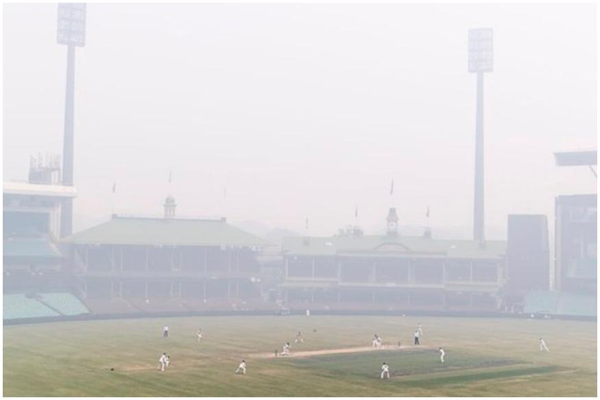 सिडनी में न्यूज साउथ वेल्स और क्वींसलैंड के बीच खेल गये मुकाबले पर स्मॉग (Sydney Smog) की मार पड़ी