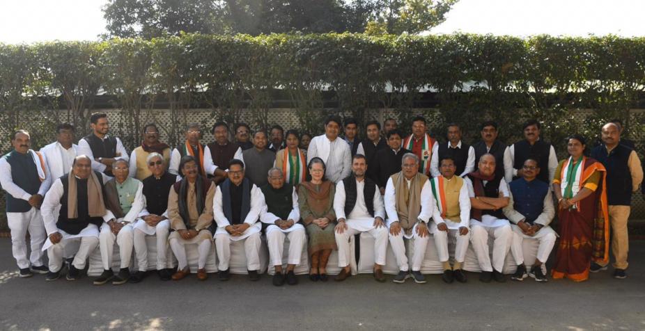 chhattisgarh news, cg news, CM Bhupesh Baghel to meet Sonia Gandhi, CM Bhupesh Baghel to meet Sonia Gandhi in delhi, cm bhupesh bagel will give one year performance report, sonia gandhi, rahul gandhi, delhi news, congress, छत्तीसगढ़ न्यूज, सीजी न्यूज, रायपुर न्यूज, कांग्रेस, सीएम भूपेश बघेल, सीएम भूपेश बघेल करेंगे सोनिया गांधी से मुलाकात, सीएम भूपेश बघेल और सोनिया गांधी की मुलाकात, दिल्ली में सीएम भूपेश बघेल, निकाय चुनाव, कांग्रेस, एक साल का परफॉर्मेंस रिपोर्ट
