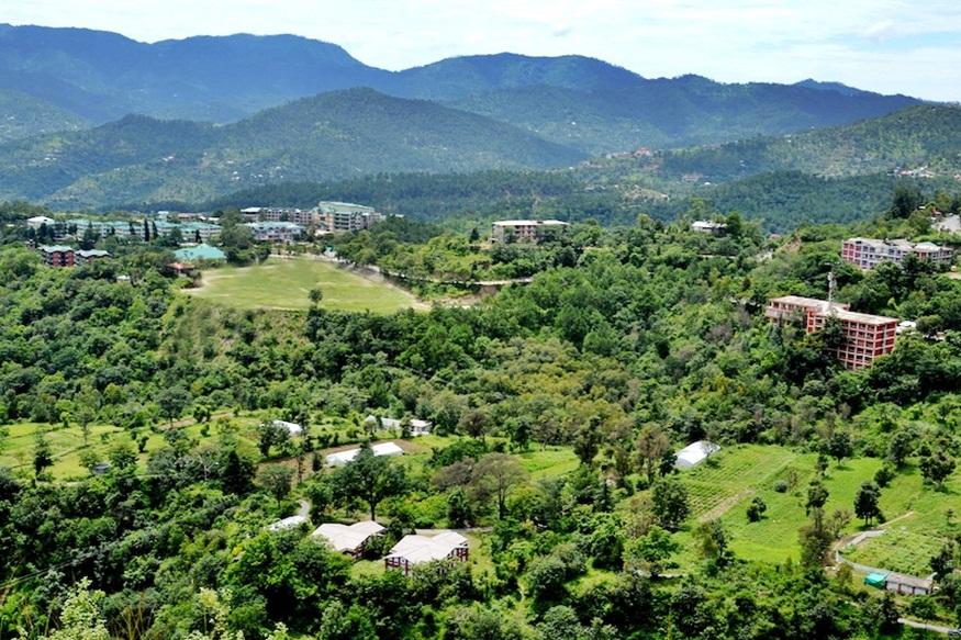 सोलन जिले में पड़ता है नौणी गांव.