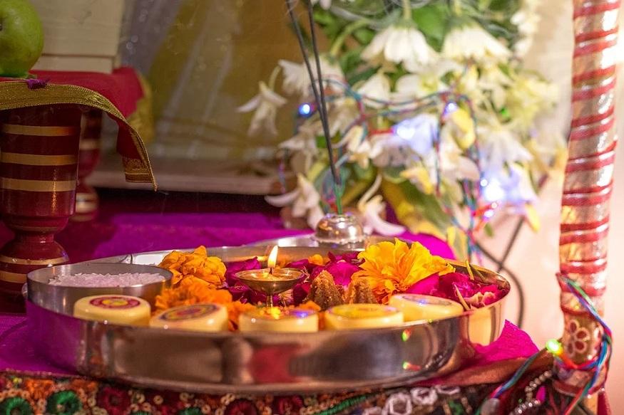बसंत पंचमी के दिन मां सरस्वती की पूजा की जाती है