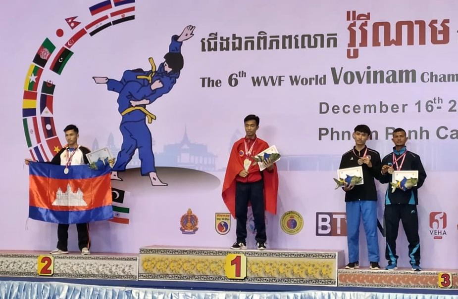 कंबोडिया में पुरुषोत्तम ने कांस्य पदक जीता.