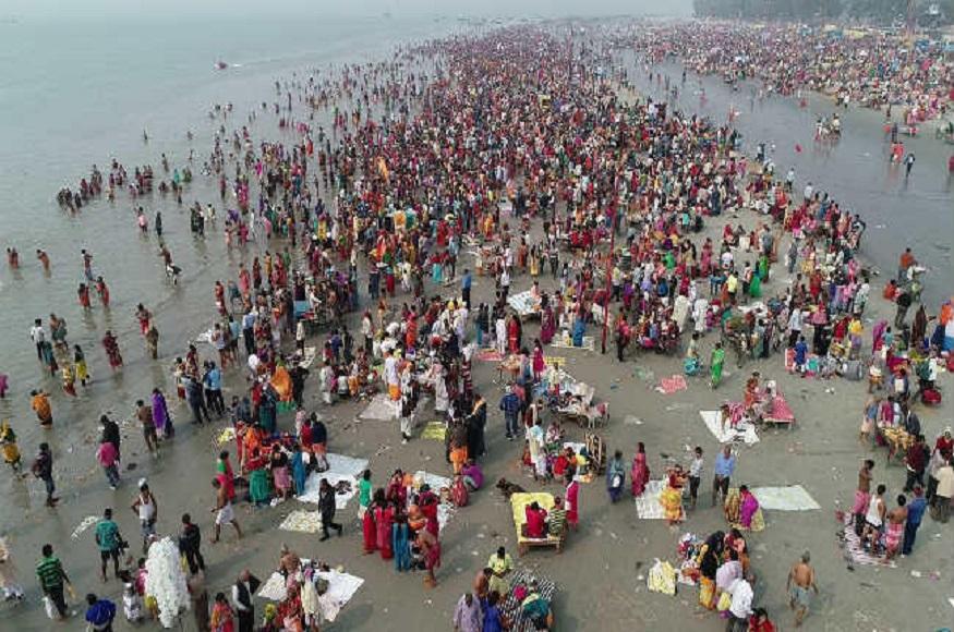 गंगा सागर में एक बार डुबकी लगाने से 10 अश्वमेध यज्ञ के बराबर पुण्य मिलता है.