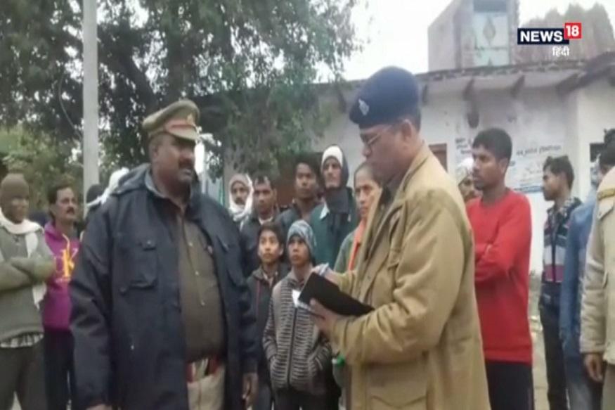 उत्तर प्रदेश (Uttar Pradesh) के आगरा (Agra) में एक बड़ी खबर सामने आई है, जहां सगे पोतों ने अपने दाद-दादी (Grandparents) की हत्या कर दी