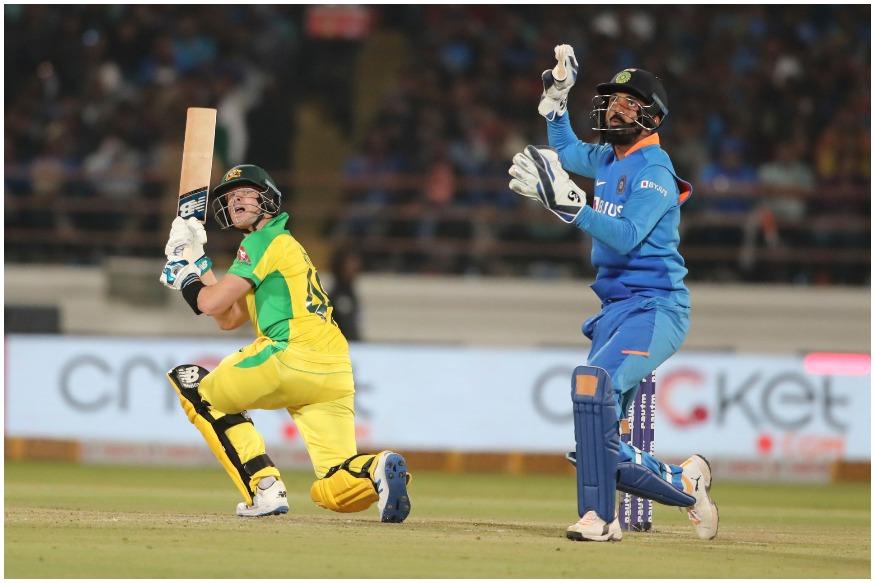 लाइव क्रिकेट स्कोर (Live Cricket Score), India vs Australia Live Match, 2nd odi Match at Saurashtra Cricket Association Stadium, Rajkot: भारत सीरीज में 0-1 से पीछे है