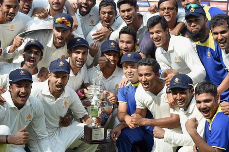 आखिरी दिन मुंबई के गेंदबाजों ने कमाल का प्रदर्शन किया और आखिरी सीजन में मुंबई को जीत के लिए सिर्फ तीन विकेट की जरूरत थी, मगर कमलेश और धमेंद्रसिंह ने अपने विकेट गिरनेनहीं दिए और दिन का खेल समाप्त होने तक बल्लेबाजी करके मैच ड्रॉ करवा लिया.