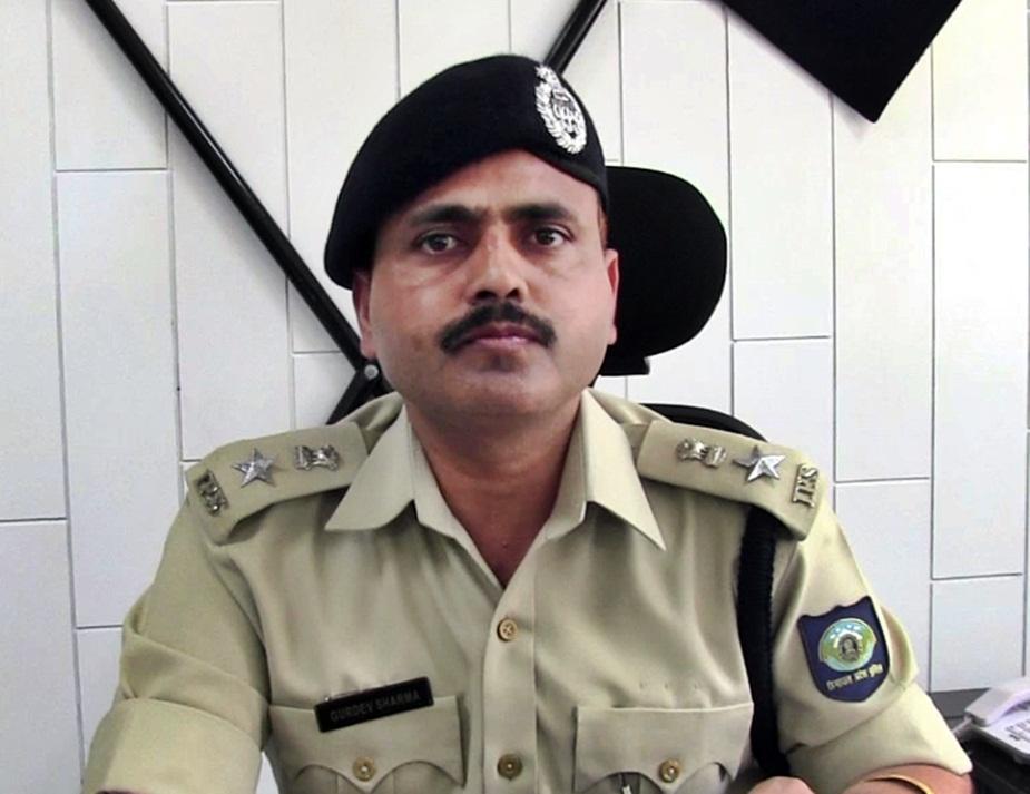 मंडी के एसपी गुरदेव शर्मा.