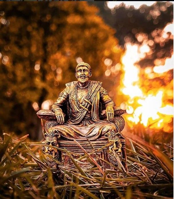 शिवाजी ने सन 1674 में मराठा साम्राज्य की आधारशिला रखी थी.