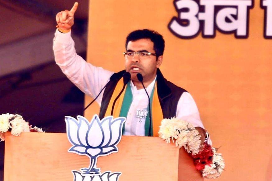 Delhi assembly election 2020 How Campaigns Sealed Fate of Parties And delhi Capital,आम आदमी पार्टी, आप, एंड्रयू चैडविक, एंटी सीएए विरोध, अरविंद केजरीवाल, भाजपा, कांग्रेस, दिल्ली विधानसभा चुनाव 2020, शाहीन बाग, शीला दीक्षित, स्मृति ईरानी,aam aadmi party, aap, Andrew Chadwick, Anti CAA protests, arvind kejriwal, BJP, congress, delhi assembly elections 2020, Shaheen Bagh, Sheila Dikshit, smriti iraniदिल्ली विधानसभा इलेक्शन रिजल्ट, दिल्ली विधानसभा चुनाव परिणाम २०२०, Vidhan Sabha election result, दिल्ली विधानसभा चुनाव परिणाम २०२०, दिल्ली विधानसभा इलेक्शन रिजल्ट, दिल्ली विधानसभा इलेक्शन रिजल्ट २०२०, Delhi Vidhan Sabha chunav parinam 2020, Delhi Vidhan Sabha election results, दिल्ली विधानसभा चुनाव परिणाम, ELECTION COMMISSION OF INDIA, GIRIRAJ SINGH, YOGI ADITYANATH, KAPIL MISHRA,