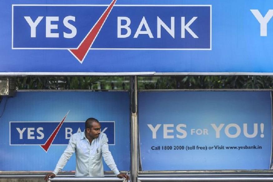 Yes Bank प्राइवेट सेक्टर का पसंदीदा बैंक रहा है. यस बैंक को औसत से ज्यादा ब्याज देने के लिए जाना जाता था. लेकिन अब पिछले कुछ समय से ही इस बैंक से बुरे दिन शुरू हो चुके थे. आइए आपको बताते हैं कि बैंकों की दुनिया का यह चमकता बैंक गर्त में कैसे पहुंच गया.