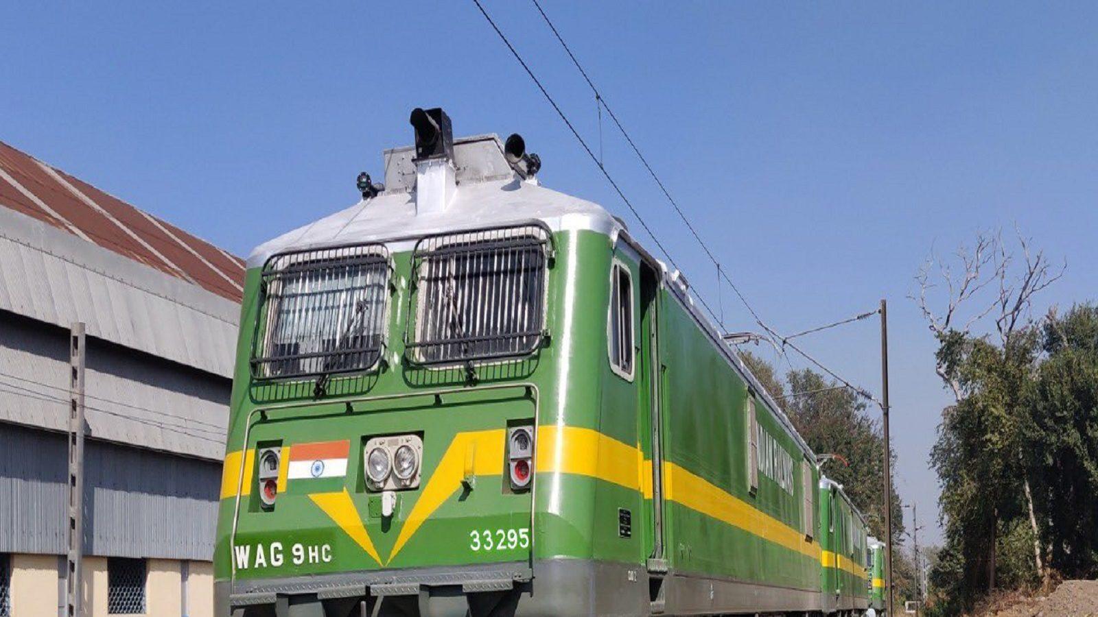 MP News: जबलपुर रेलवे मंडल के स्टेशनों पर अब 20 रुपये में मिलेगी प्लेटफॉर्म टिकट, इस वजह से मचा था बवाल