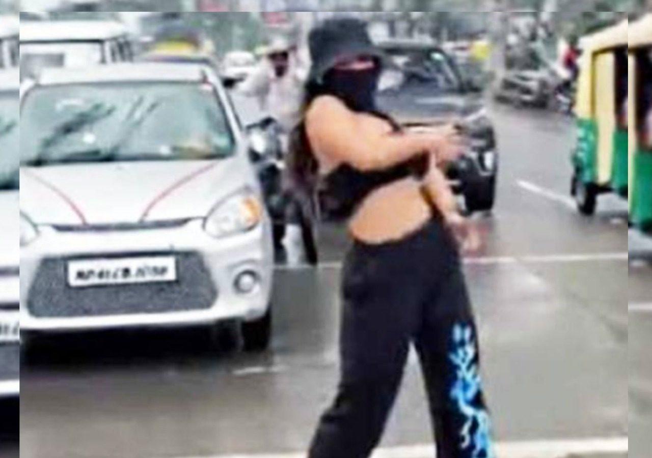 Indore Girl Viral Video Case: गृहमंत्रीनरोत्तम मिश्रा बोले- ट्रैफिक नियम के तहत होगी कार्रवाई