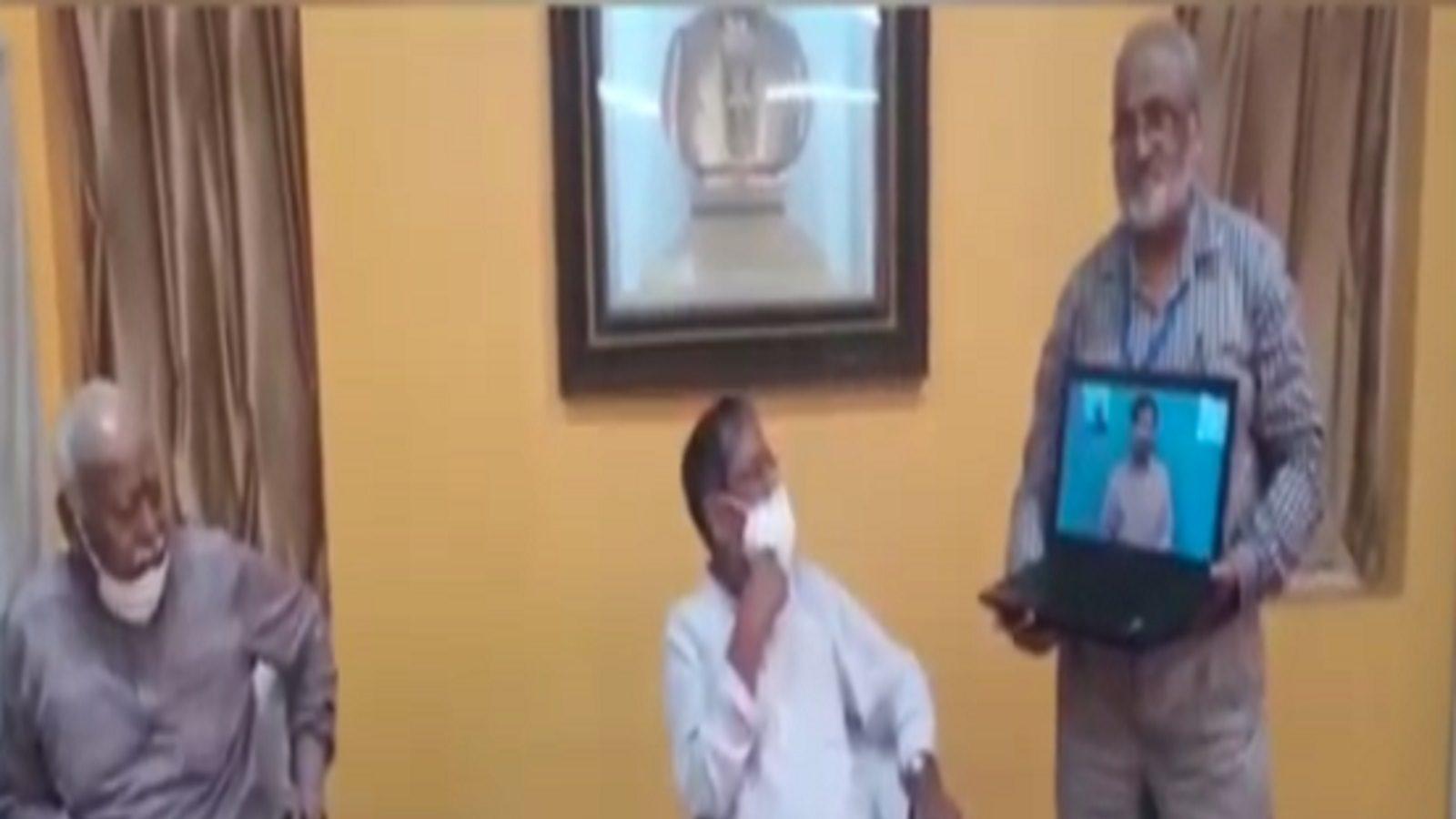 Indore : संघ की शाखाओं में अब मूक-बधिर साइन लैंग्वेज में कर सकेंगे प्रार्थना, मोहन भागवत ने की लॉन्च