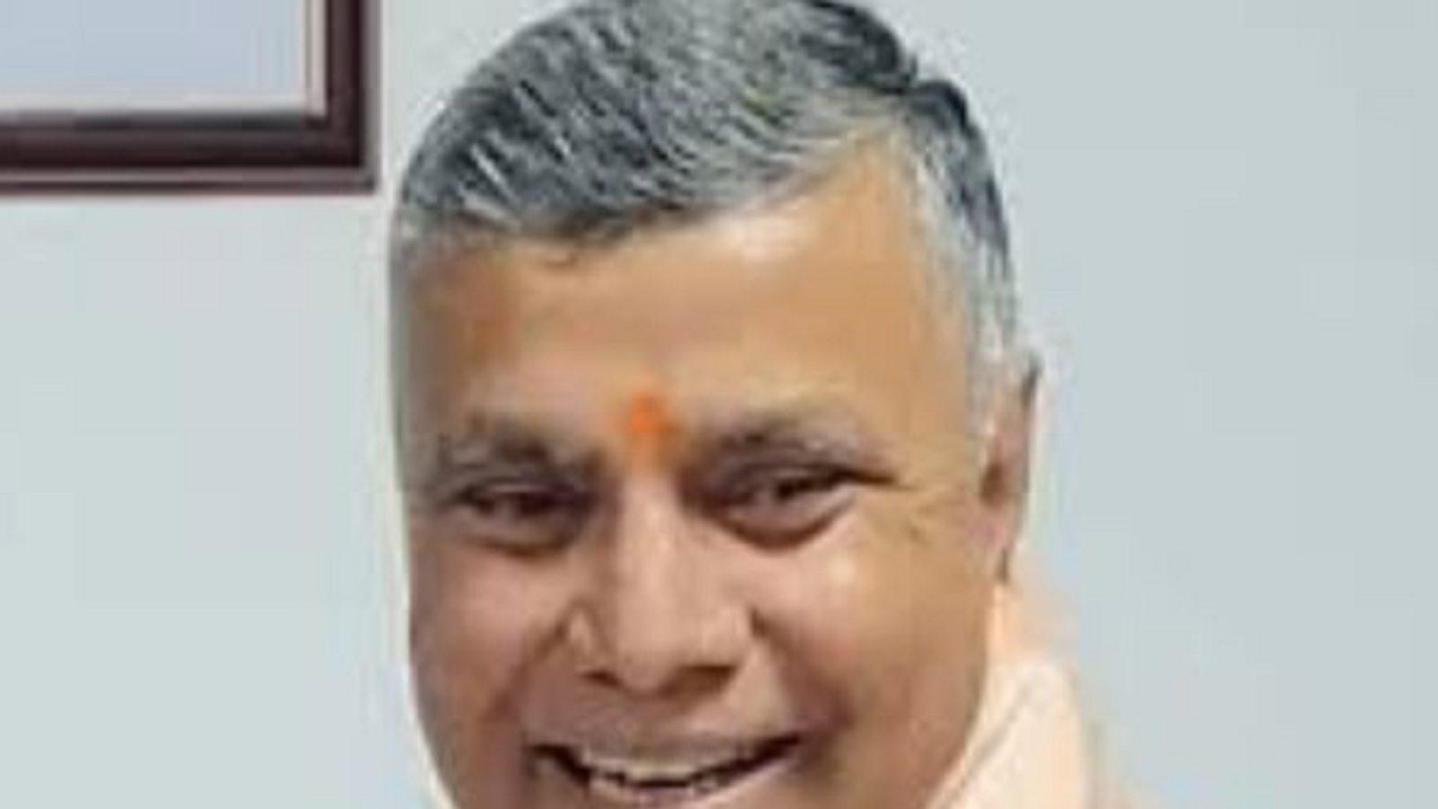 Yogi Cabinet Expansion: संघर्षों से भरा रहा है BJP MLC धर्मवीर प्रजापति का सियासी सफर